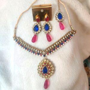 Indian jewellery set (earrings, mangtika, necklace)